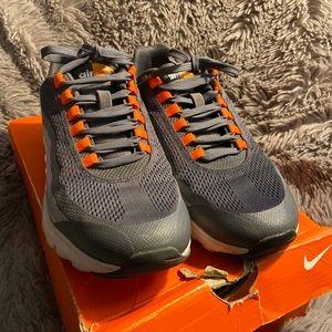 Woman's Nike Air Max